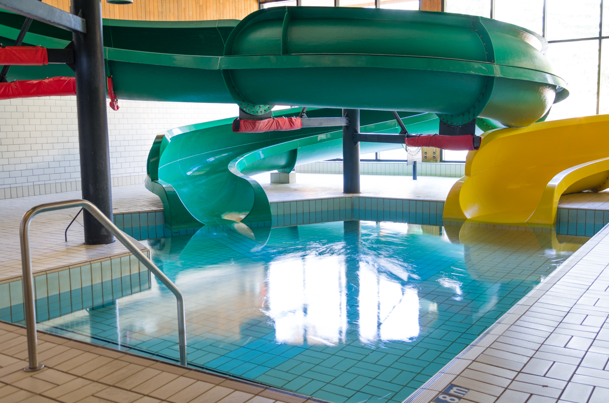 Hotels In West Edmonton With Pools